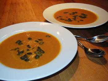 Dyňová polévka se zázvorem – dýňový balicožrout Ládi Hrušky